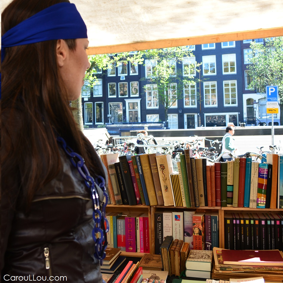 CarouLLou.com Carou LLou in Amsterdam Netherlands at saturday farmers market +