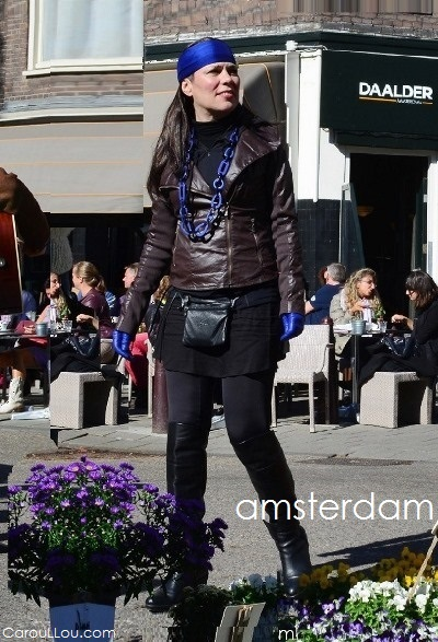 CarouLLou.com Carou LLou in Amsterdam travel street style at the saturday market +chic-