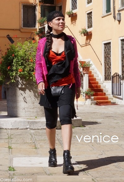 CarouLLou.com Carou LLou in Venice Travel style streetstyle pink orange chic+ (2)